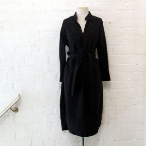 Cotton shirt dress with pockets and 3/4 sleeves.