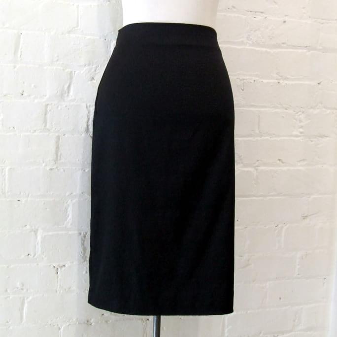 Crimp skirt.
