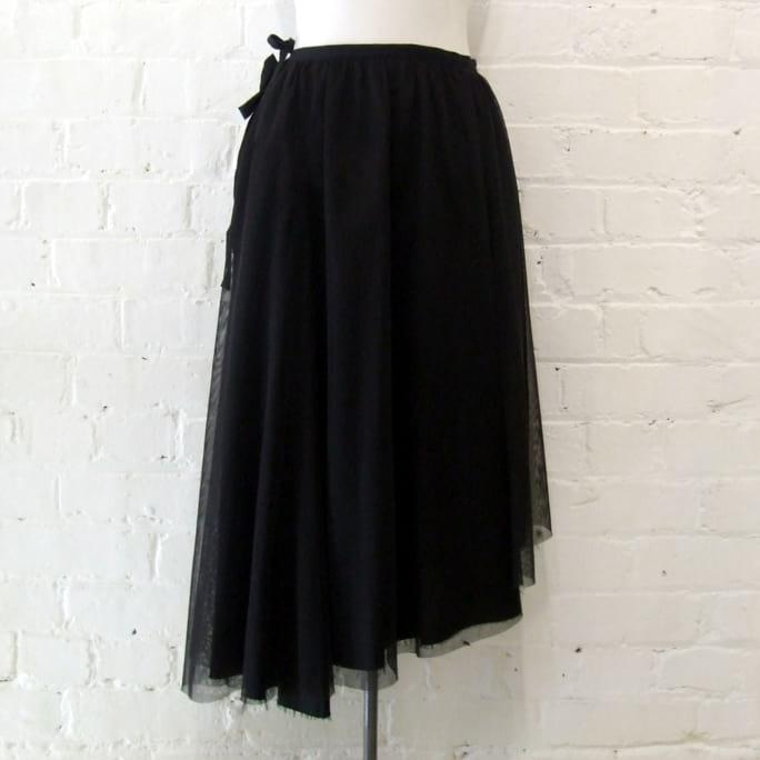 Gathered tulle full skirt, lined.