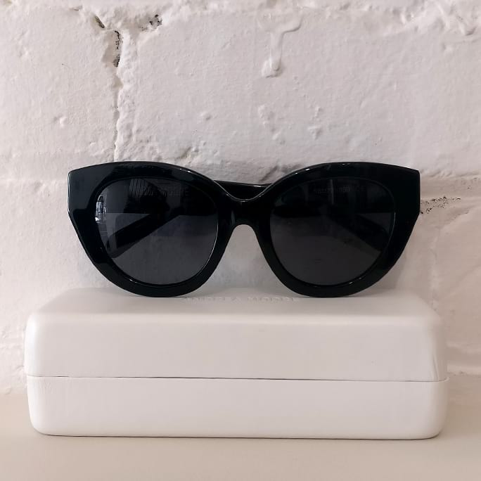 Flash catseye sunglasses. Brand new, with case.