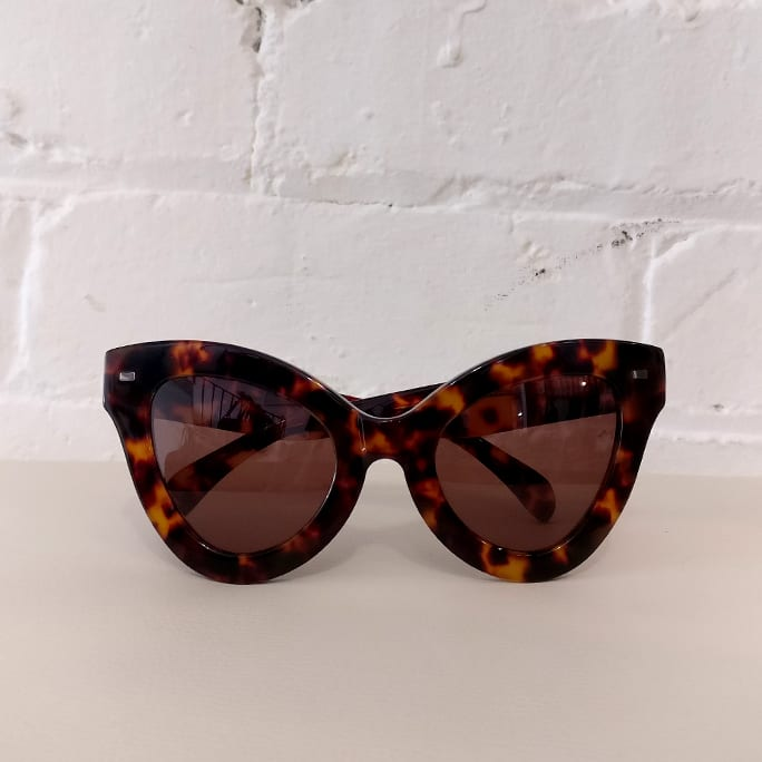 Cat People sunglasses, tortoiseshell, with case.