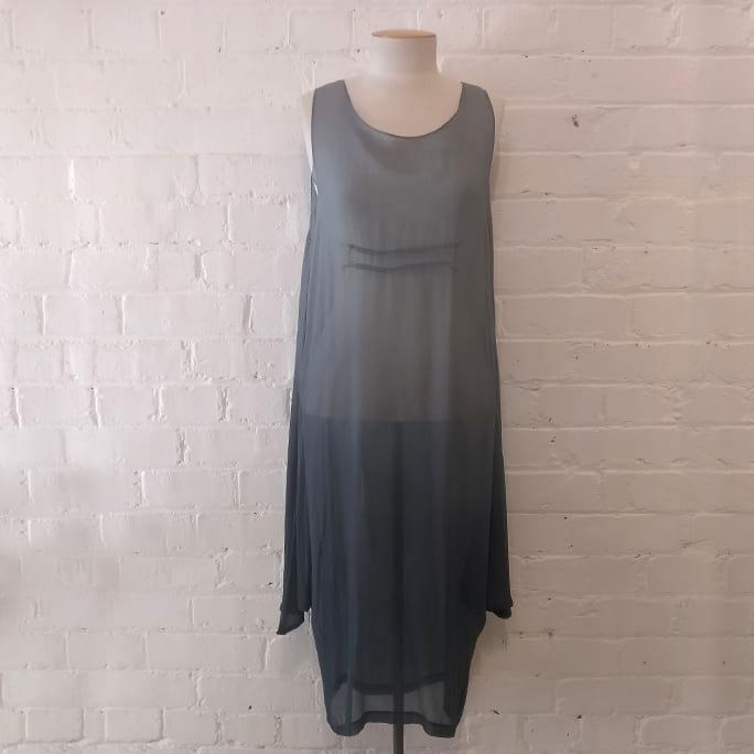 Grey silk dress with ombré effect.