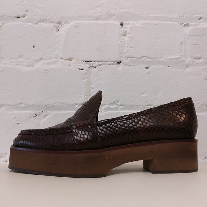 Platform loafers with rubber sole. Unworn!