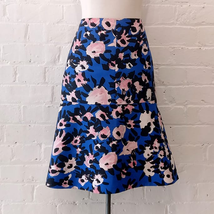 Floral print flare skirt.