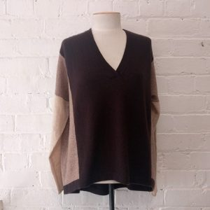 Oversize cashmere jersey. Original price tags still on!