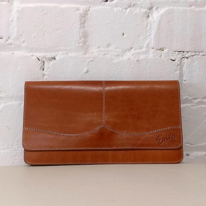 Dark caramel clutch.