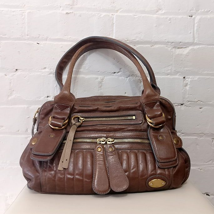 Vintage leather hand bag.