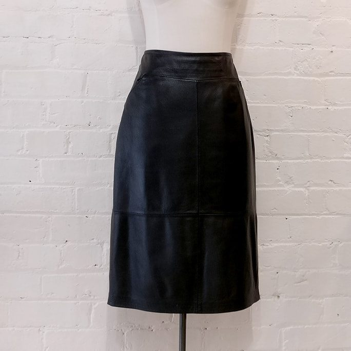 Leather pencil skirt, fully lined, with zip pockets.