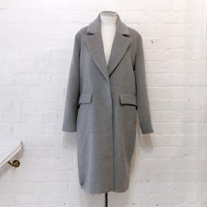 Wool overcoat, fully lined.