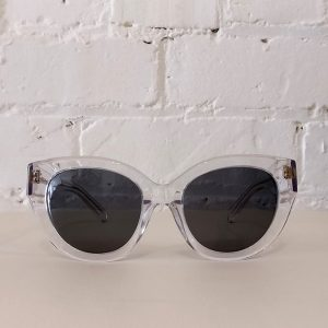 Flash sunglasses, with case and cloth.