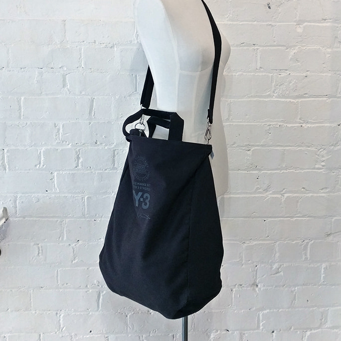 Black canvas oversize bag.