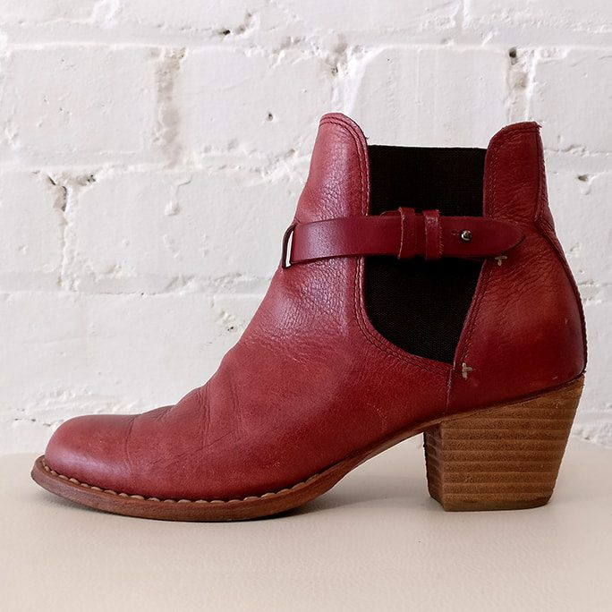 Ankle boot.