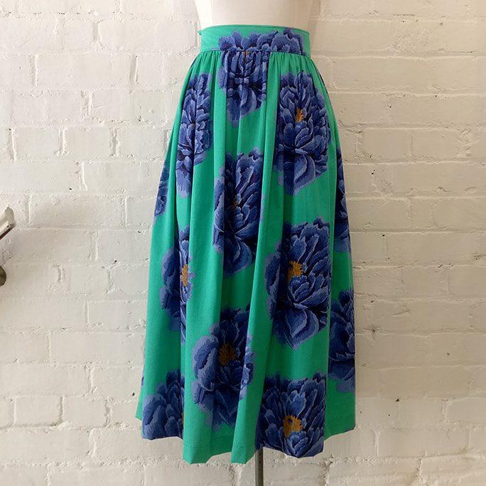 50s-style full skirt.