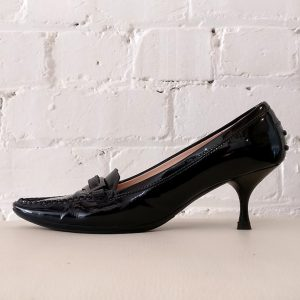 Patent leather kitten heel.