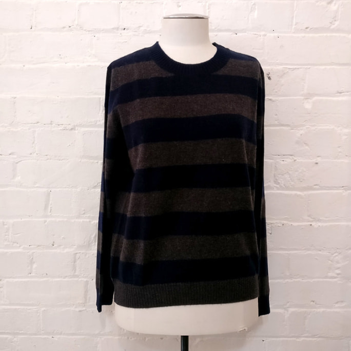 "100% cashmere striped crew neck jersey. Available also in <a href=""https://fashionrecovery.co.nz/cashmere-lodge-crew-neck-size-l/"">size L</a>."