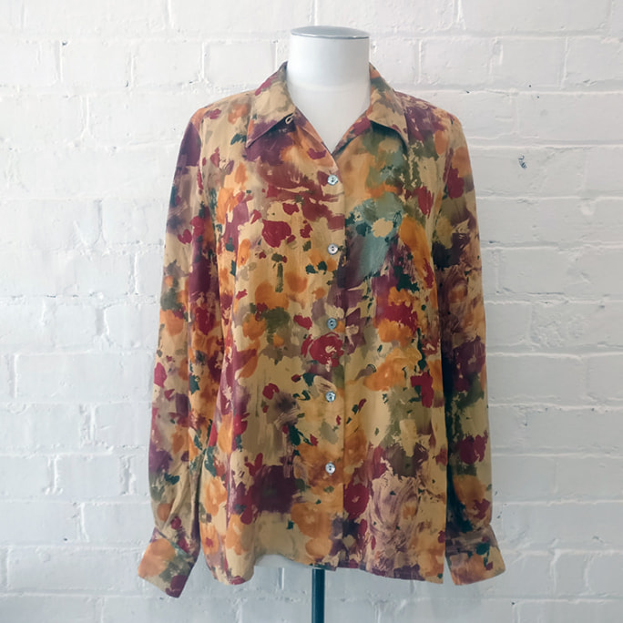 Silk shirt with abstract print.