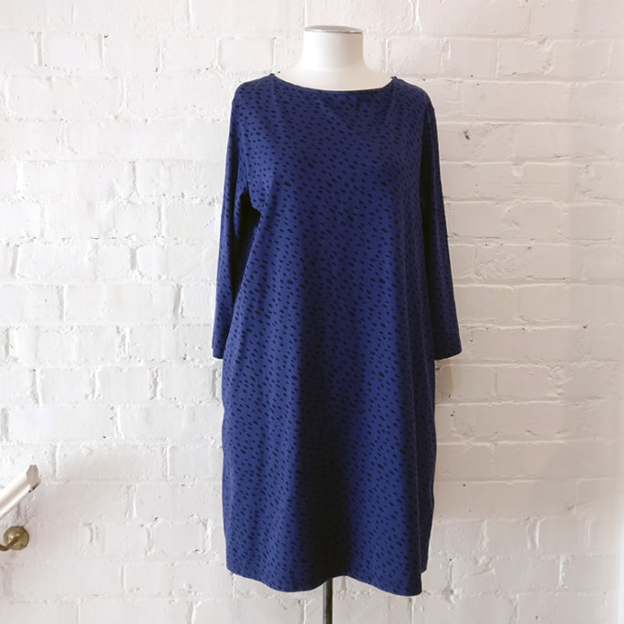 3/4 sleeve printed cotton dress with pockets.