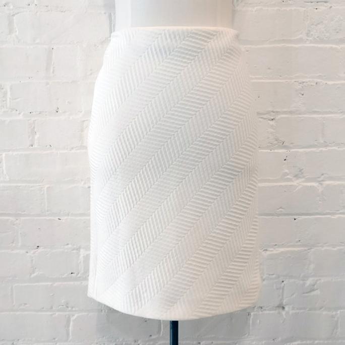 Woven textured skirt.