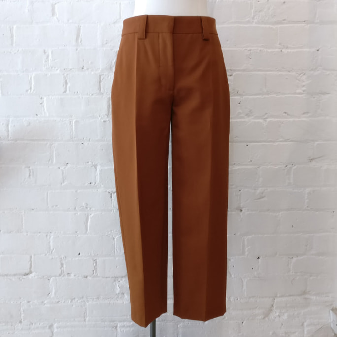 Wool mix flat front cropped trouser with pockets, unlined.