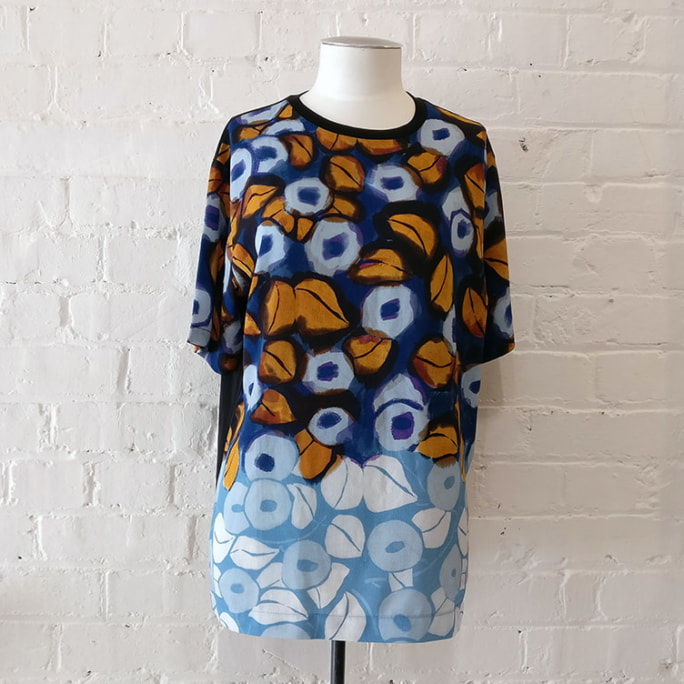 Printed cotton mix top.
