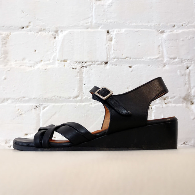 Open toe wedge sandal.