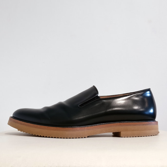Slip-on shoe with crepe sole, brand new with box!