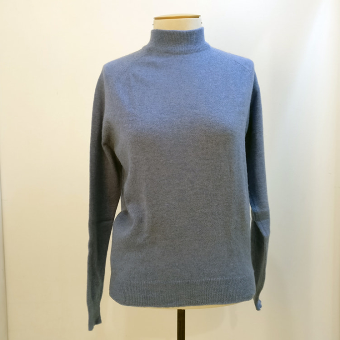 100% lambswool knit top.