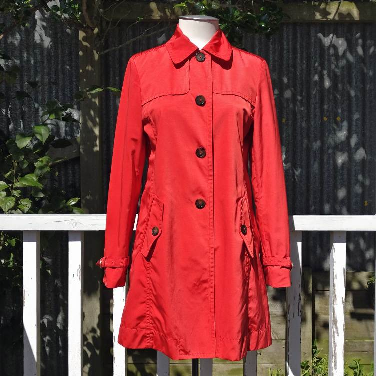 Showerproof cotton mix trench coat, lined.